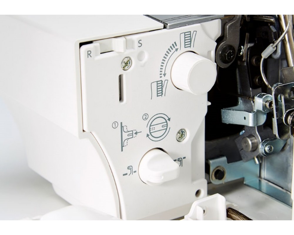 overlock Janome Air Threading 2000D  + sada kvalitních jehel Organ ZDARMA-5