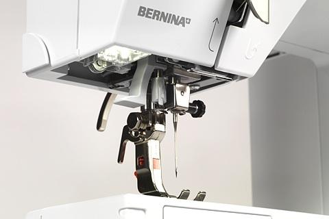 šicí stroj Bernina 215 + záruka 5 let + sada kvalitních jehel Organ ZDARMA -4