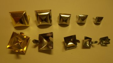 jehlánek pyramida platina 8x8mm