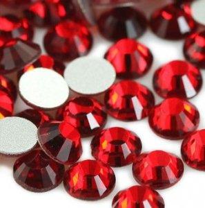4mm nalepovací kameny broušené light siam = červená