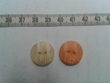 knoflík žíhaný tmavě oranžový vel.30 (18mm) 2 dírky