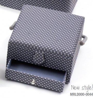 košík na šicí potřeby puntík na šedé