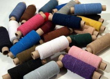 niť pružná-cívky po 30m-různé barvy
