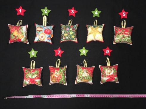 jehelníček malý 100%bavlna/patchwork různé, cena za 1ks     rozměr cca 10x10cm