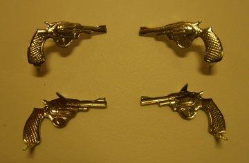 kolt nalevo/zlatý a stříbrný
