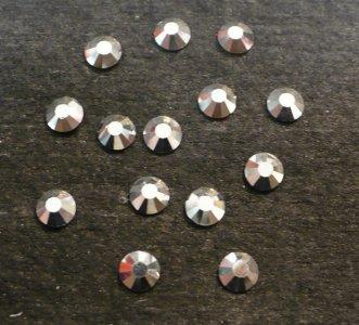 4mm kamínky 12ti hranné crystal Labrador = stříbrné MC