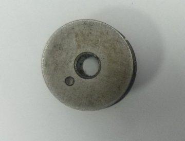 cívka kovová obuvnický stroj 16mm