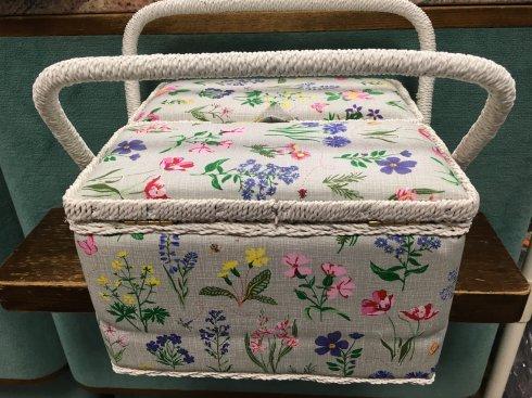 košík na šicí potřeby jarní zahrada XL