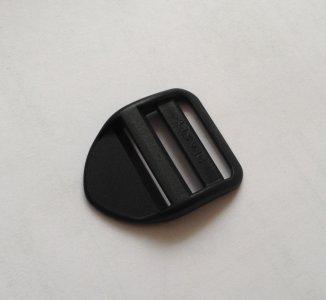 spona žebříček 20mm černý UH